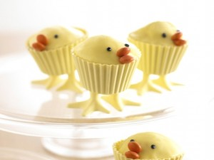 easter-chick-cupcakes-484x363-top